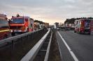 Verkehrsunfall mit 2 PKW`s und 1 LKW
